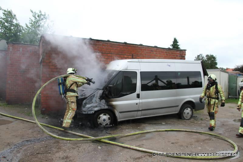 Autobrand Hoogkamerstraat 18 06 2016-002
