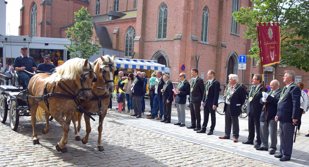 Paardenprocessie Tielrode 2016