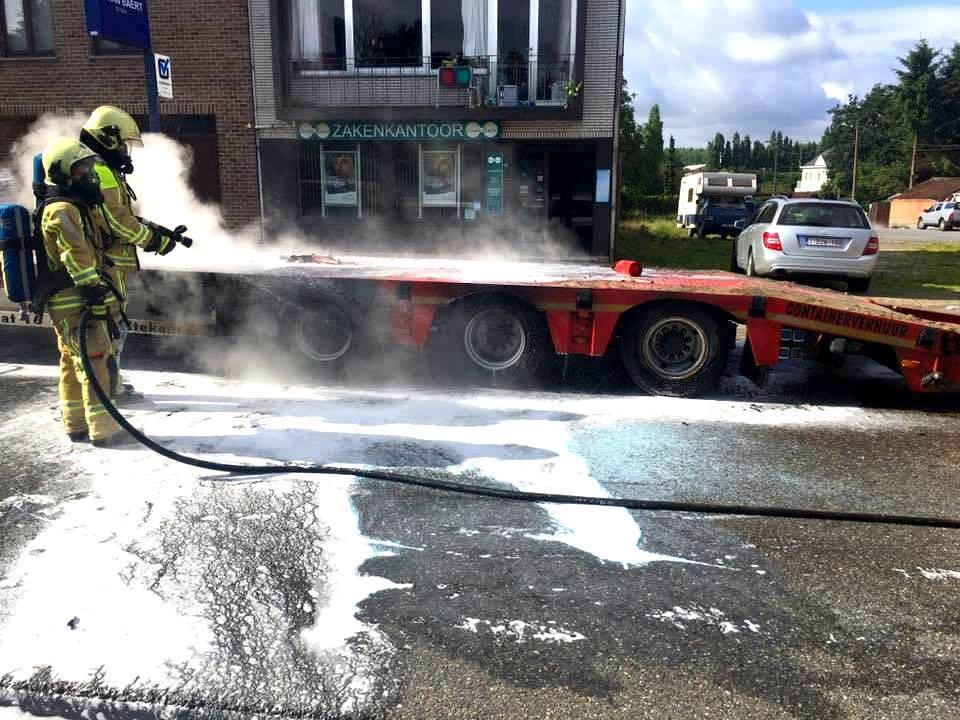 Vrachtwagenbrand Elversele 04 07 2016