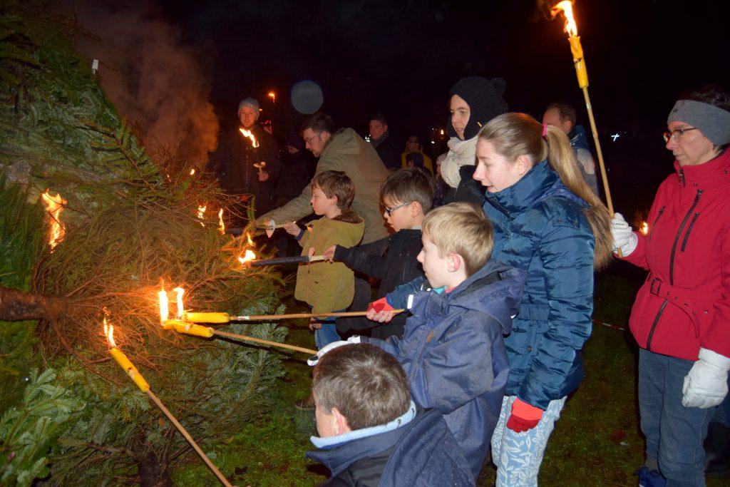 Fakkeltocht-kerstboomverbranding Tielrode_02